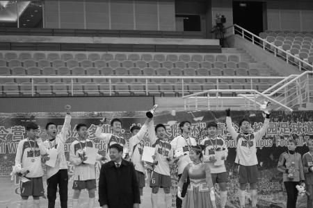 四川省一级示范性学校成都市服装领航——列学生高中高中搭配图片