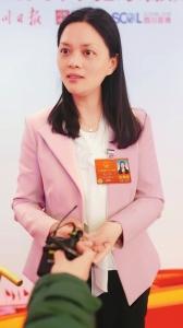 全国人大代表、峨眉山市市长吴小怡:门票经济向产业经济转型 峨眉山发展生态康养、禅茶美食